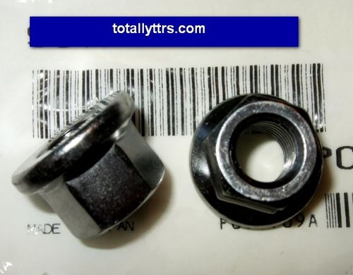 Exhaust nuts - pair - Genuine Yamaha part