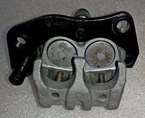 Front brake caliper for TTR250s with new seals - used